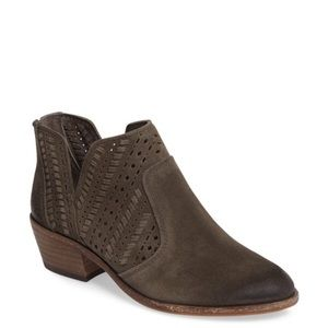 VINCE CAMUTO | Prasata Western Suede Ankle Boot